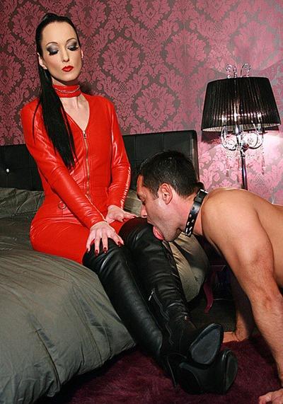 chateau-cuir-spunk-on-leather